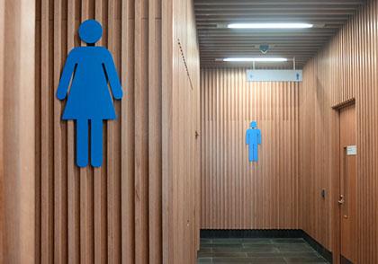 manukau-district-court-wayfinding-toilet_signage